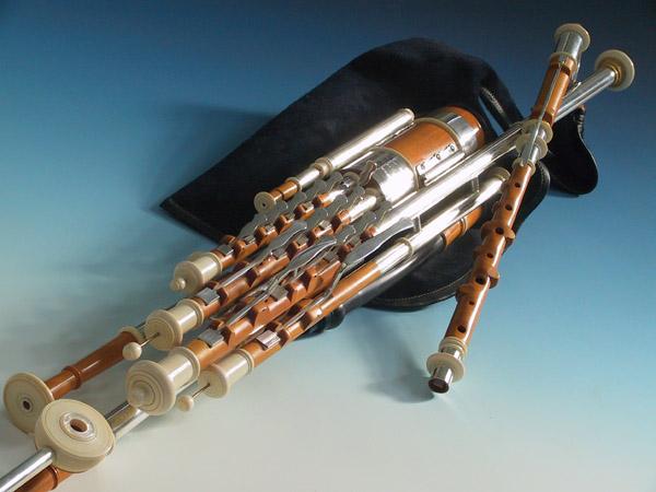 Master Set Uilleann Pipes in D, Detail 1: Großansicht